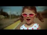 ПРИКОЛЫ С ДЕТЬМИ! - Очень красивая маленькая девочка, очень красиво поет:)